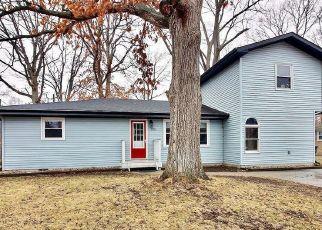 Pre Foreclosure in Portage 46368 LEXINGTON AVE - Property ID: 1557806215