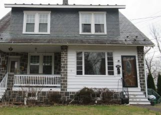 Pre Foreclosure in Perkasie 18944 S 4TH ST - Property ID: 1558213990