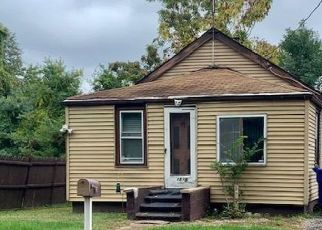 Pre Foreclosure in North Brunswick 08902 SHERWOOD BLVD - Property ID: 1558246831