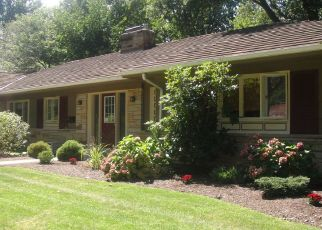 Pre Foreclosure in Cleveland 44118 NEWBURY DR - Property ID: 1559031230