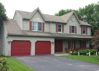 Pre Foreclosure in Reading 19605 BOESHORE CIR - Property ID: 1559765271