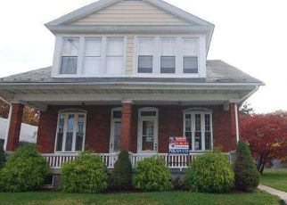 Pre Foreclosure in Reading 19605 ELIZABETH AVE - Property ID: 1559773152