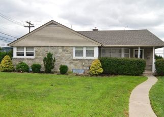 Pre Foreclosure in Reading 19606 REIFF PL - Property ID: 1559775798