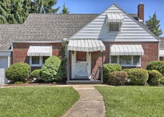 Pre Foreclosure in Reading 19609 CLEVELAND AVE - Property ID: 1559781487