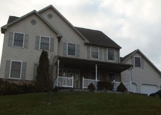 Pre Foreclosure in Reading 19605 HILLTOP AVE - Property ID: 1559782805