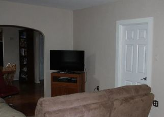Pre Foreclosure in Mount Ephraim 08059 W BUCKINGHAM AVE - Property ID: 1559812133