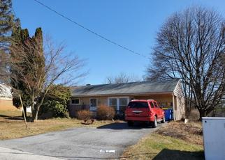 Pre Foreclosure in York 17403 GREEN VALLEY RD - Property ID: 1560453329