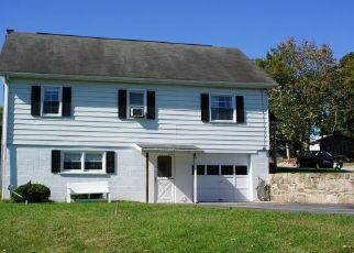 Pre Foreclosure in Hanover 17331 BOWMAN RD - Property ID: 1560458593