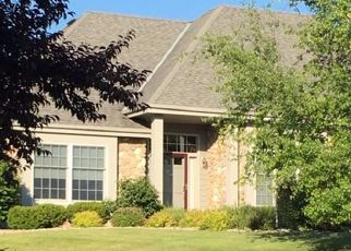 Pre Foreclosure in Pewaukee 53072 WOODBURNE CT - Property ID: 1560498445