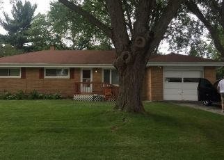 Pre Foreclosure in Waukesha 53189 CENTER RD - Property ID: 1560518147