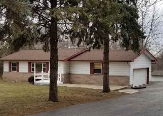 Pre Foreclosure in Rockford 61109 SANDY HOLLOW RD - Property ID: 1560601366