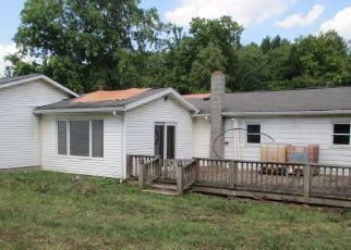 Pre Foreclosure in Zanesville 43701 BAUGHMAN RUN RD - Property ID: 1560746782