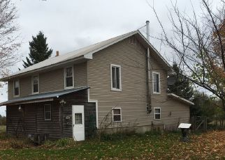 Pre Foreclosure in Heuvelton 13654 EAST RD - Property ID: 1561317909