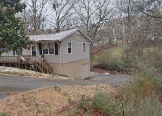 Pre Foreclosure in Waverly 37185 CRETE ST - Property ID: 1561454995