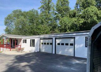Pre Foreclosure in Clinton 37716 AJ ROBBINS LN - Property ID: 1561528563