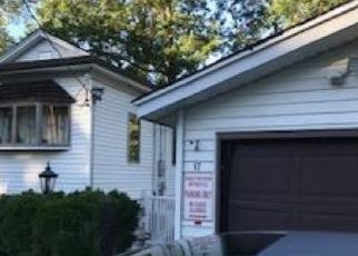 Pre Foreclosure in Lincoln Park 07035 RIVEREDGE RD - Property ID: 1562462767