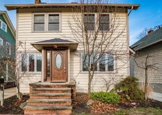 Pre Foreclosure in Lakewood 44107 CLIFFDALE AVE - Property ID: 1562983961