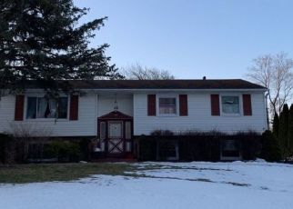 Pre Foreclosure in Pittsford 14534 KATHY DR - Property ID: 1563595358
