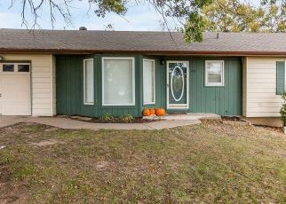 Pre Foreclosure in Kansas City 64117 NE 44TH ST - Property ID: 1563931279