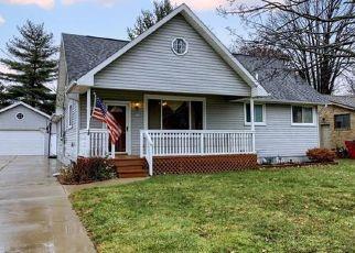 Pre Foreclosure in Harrison Township 48045 SHORELINE DR - Property ID: 1564111288