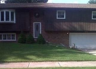 Pre Foreclosure in Hobart 46342 CROWSNEST DR - Property ID: 1564561983