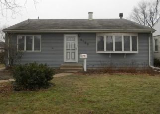 Pre Foreclosure in Highland 46322 E 4TH PL - Property ID: 1564571612