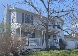 Pre Foreclosure in Elizabethtown 42701 OAK MEADOW DR - Property ID: 1564792790