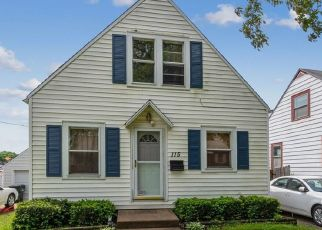 Pre Foreclosure in Cedar Rapids 52402 DAWLEY ST NE - Property ID: 1565010454