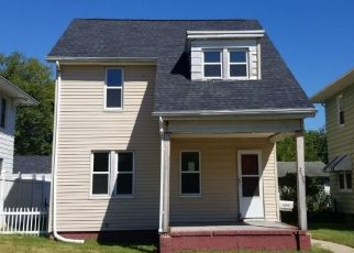 Pre Foreclosure in South Bend 46615 MISHAWAKA AVE - Property ID: 1565082730