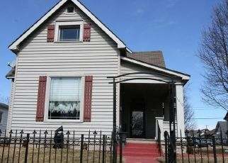 Pre Foreclosure in Anderson 46016 W 3RD ST - Property ID: 1565100229