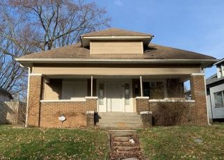 Pre Foreclosure in Indianapolis 46201 N OAKLAND AVE - Property ID: 1565120830