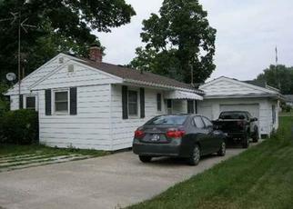Pre Foreclosure in Pierceton 46562 W TULIP ST - Property ID: 1565147992