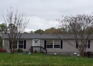 Pre Foreclosure in Ashland City 37015 OLD CLARKSVILLE PIKE - Property ID: 1565923187