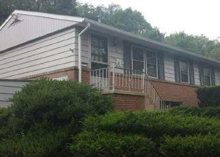Pre Foreclosure in Reading 19604 SPRING VALLEY RD - Property ID: 1566625260