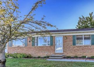Pre Foreclosure in Hanover 17331 S LINCOLN DR - Property ID: 1566947167