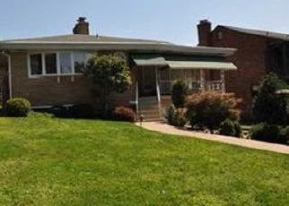 Pre Foreclosure in Pittsburgh 15236 COUNTRY CLUB DR - Property ID: 1567164409