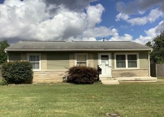 Pre Foreclosure in Evansville 47711 MAXWELL AVE - Property ID: 1567584424
