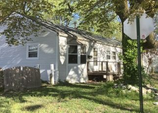 Pre Foreclosure in Evansville 47711 JOAN PL - Property ID: 1567590113