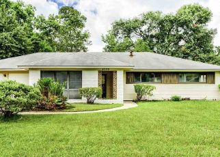 Pre Foreclosure in Beaumont 77706 DELLWOOD LN - Property ID: 1567742988