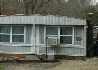 Pre Foreclosure in Oliver Springs 37840 BENNETT RD - Property ID: 1567765755