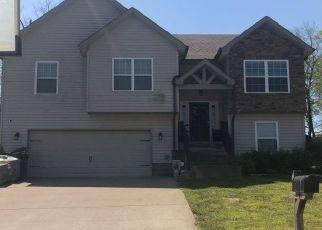 Pre Foreclosure in Clarksville 37040 LESLIE WOOD DR - Property ID: 1567767951