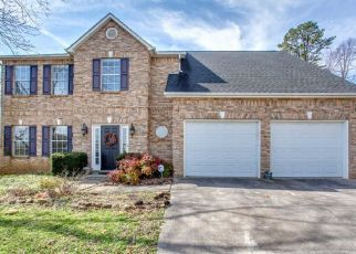 Pre Foreclosure in Knoxville 37932 JANES MEADOW RD - Property ID: 1567800346