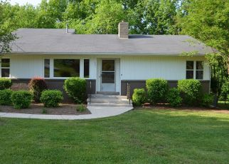 Pre Foreclosure in Shelbyville 37160 LAFAYETTE ST - Property ID: 1567813936