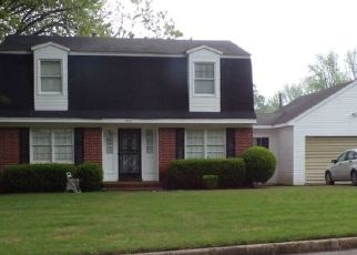 Pre Foreclosure in Memphis 38116 SHADY HOLLOW LN - Property ID: 1567856406