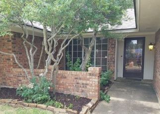 Pre Foreclosure in Arlington 76017 TRAIL CREST DR - Property ID: 1567866934