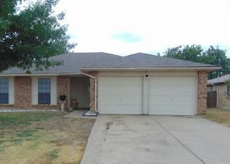 Pre Foreclosure in Grand Prairie 75052 FAIRMONT DR - Property ID: 1567898458