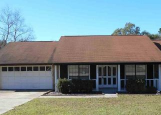 Pre Foreclosure in Milton 32571 FOREST CREEK DR - Property ID: 1568047811