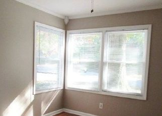 Pre Foreclosure in Davenport 52804 W RUSHOLME ST - Property ID: 1568148534