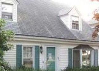 Pre Foreclosure in North Attleboro 02760 BROADWAY - Property ID: 1568245328