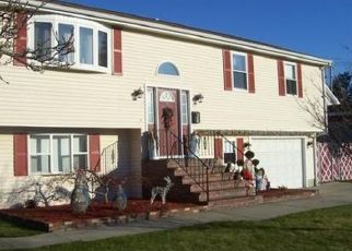 Pre Foreclosure in New Bedford 02740 GRAPE ST - Property ID: 1568246646